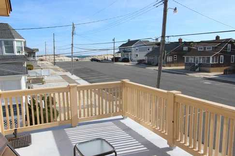 New Jersey Shore Rentals - 25 L St. Seaside Park (Upper)